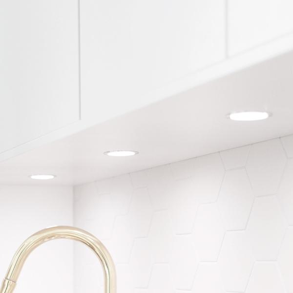 Bankbelysning Kok Led Med Uttag : belysning led rund aluminium 3w belysning led rund i aluminium med vit