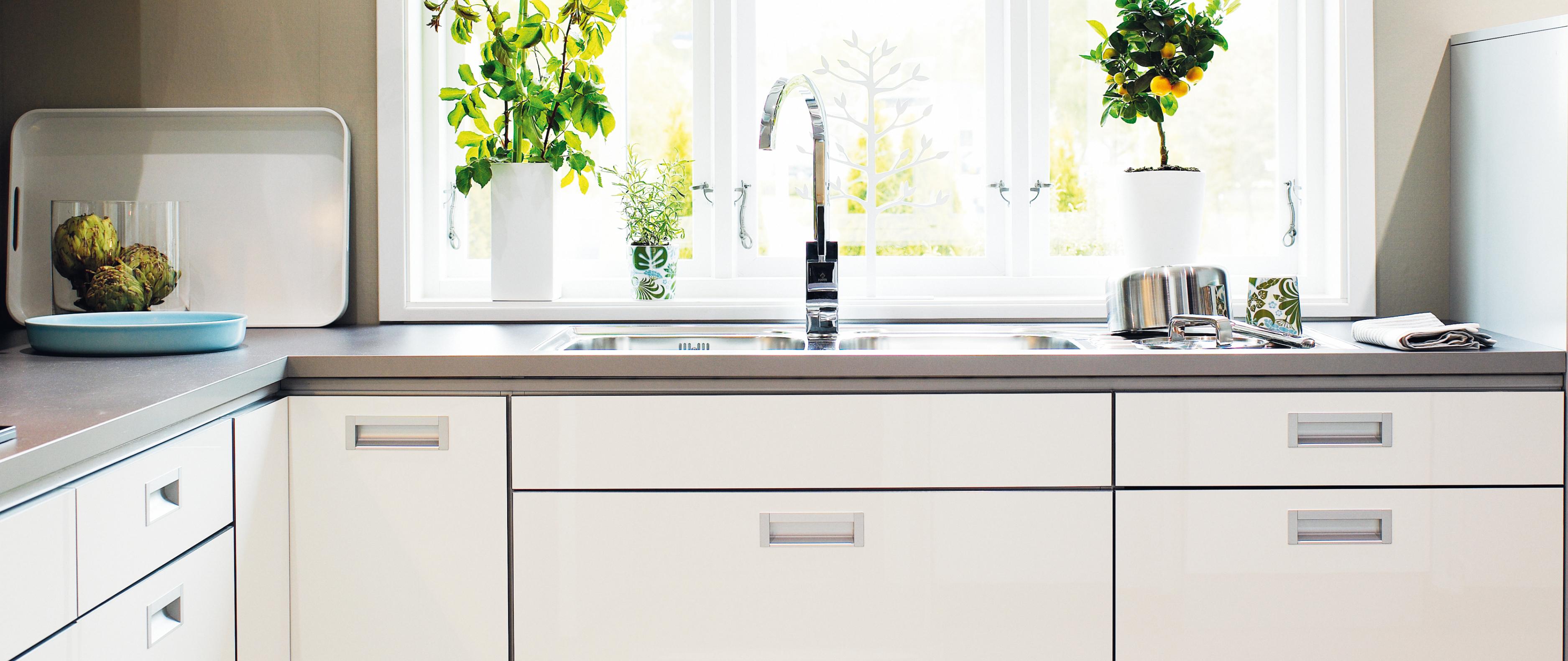 Bianca högblank folie   nytt kök badrum och tvättstuga   vedum kök ...